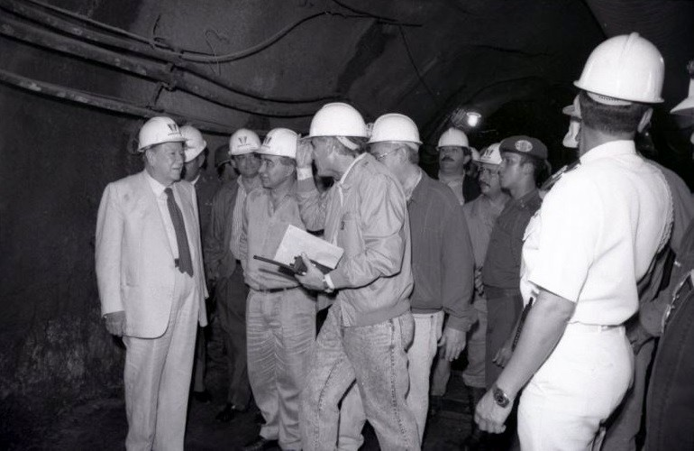 Rafael Caldera en Represa Yacambú, 1994.