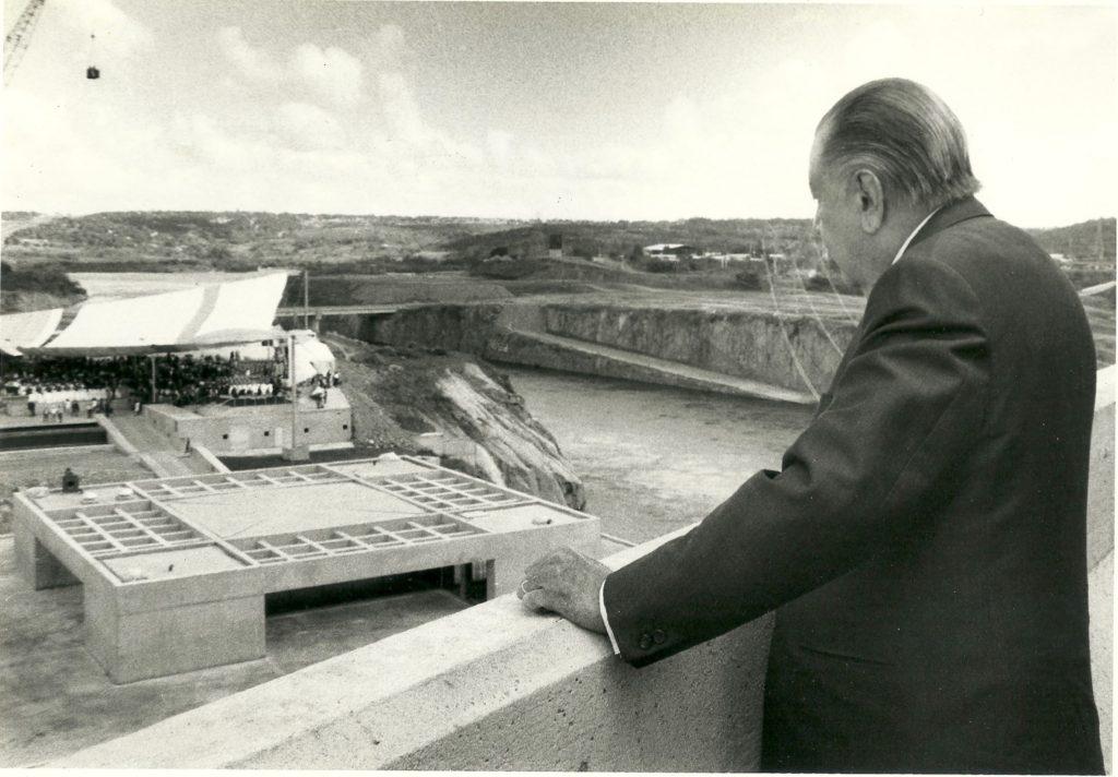 Rafael Caldera inaugurando Macagua II